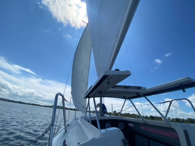 Experience a 25ft Sailboat